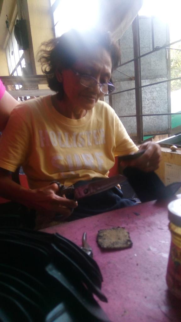Aling Alita Morez, Valentino worker